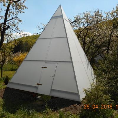 zahradní pyramida 4x4m 67° (2)