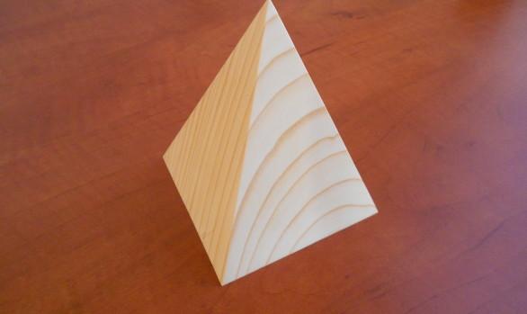 Osobní pyramida do ruky, na stůl